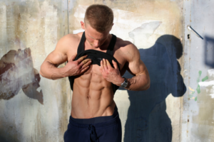 A picture of a man experiencing Abdominal Etching